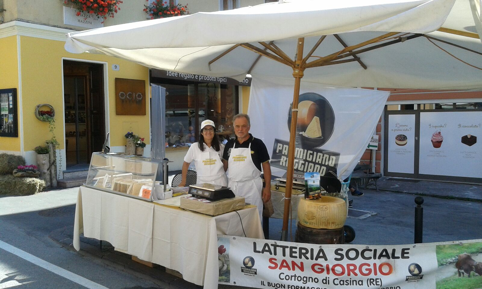 Il nostro punto vendita di Parmigiano Reggiano prodotto di montagna a Made in Malga 2016 la fiera del formaggio di montagna