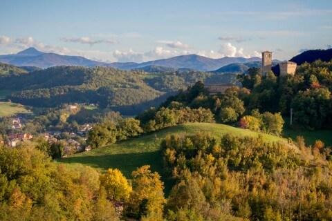 Il castello di Sarzano e Casina - Appennino Reggiano