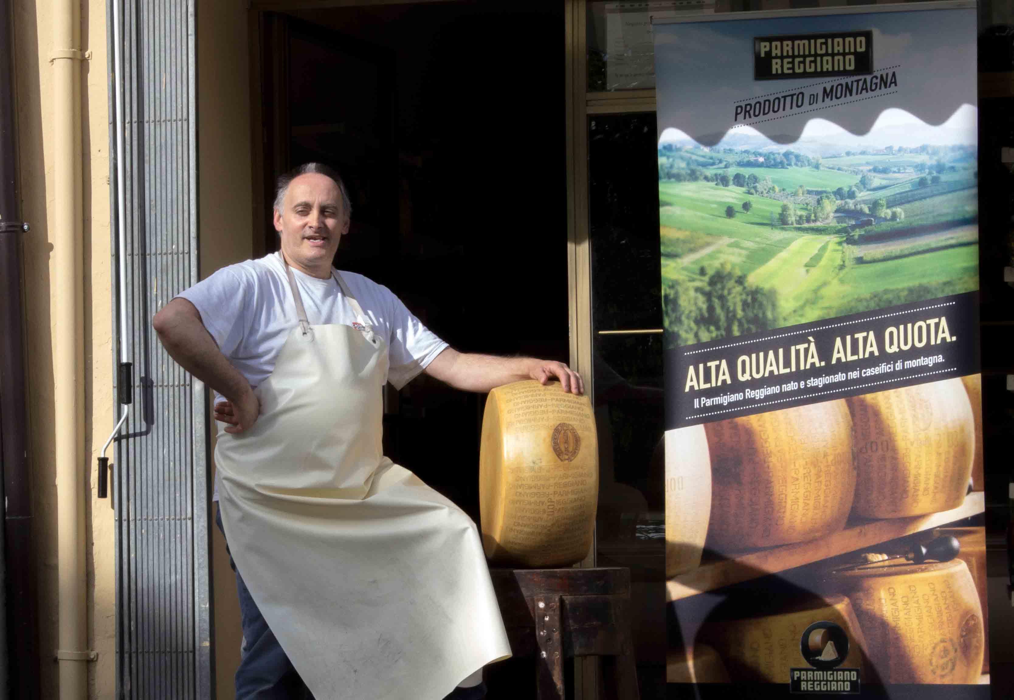 Vendita forme di Parmigiano Reggiano Prodotto di Montagna